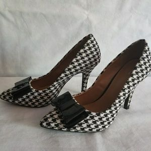 Shoes - Houndstooth Pumps