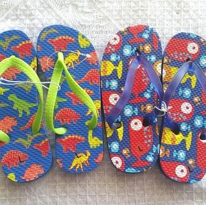 Other - REDUCED - NEW (2) Boys Flip Flops Size L(9/10)