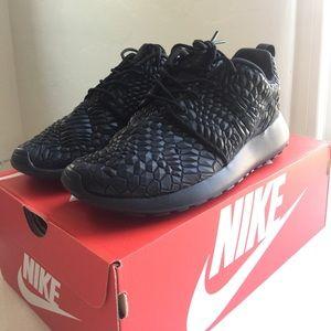 Nike Roshe One DMB Women's size 8 *NEVER WORN*
