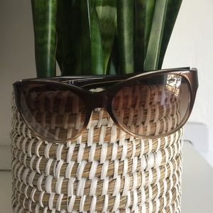 Tory Burch Sunnies with case