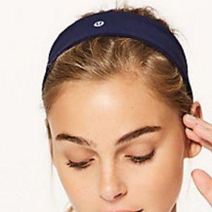 lululemon athletica Accessories - BRAND NEW LULULEMON Fly Away Tamer Headband II