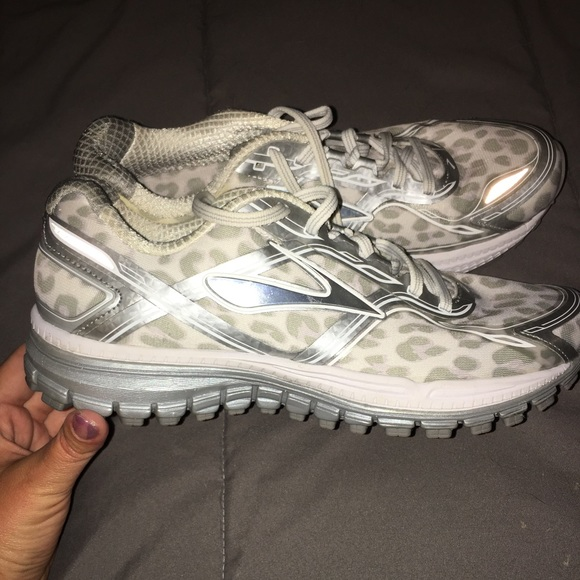 fd68dc910ebe8 Brooks Shoes - Brooks Snow Leopard Ghost 8 Running Shoes
