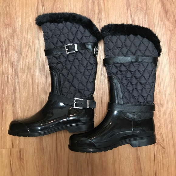 71b69ed17 Michael Kors Fulton Quilted MID Boots. Michael Kors.  M_5987bc1beaf0306f0f0993dc. M_5987bc31ea3f36270a09789a.  M_5987bc4dbcd4a7b678098522