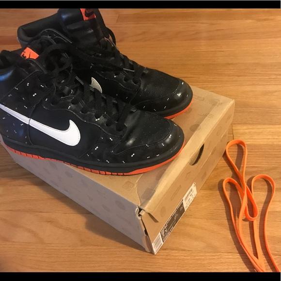 Nike dunks glow in the dark bats! Black orange 8.5.  M 5987bfff620ff7e18d099134 8a4c5a794