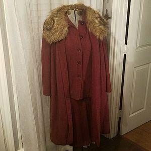 Original 1940s suit dress with overcoat/fur collar