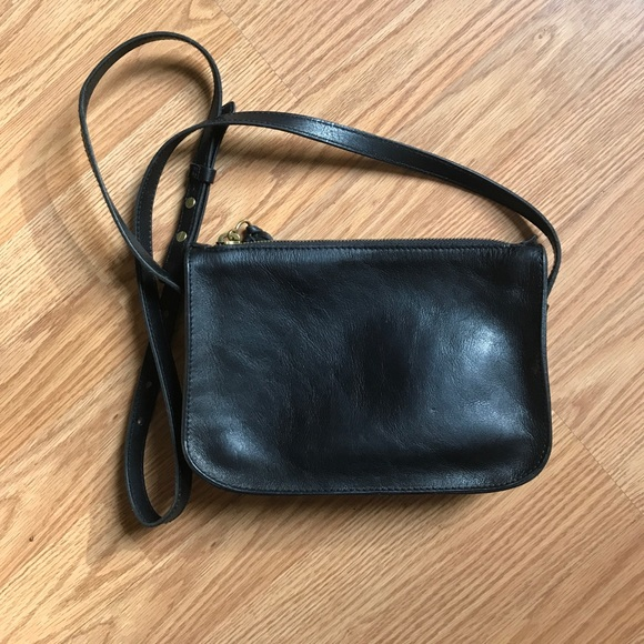 b0b77bbfdcfc Madewell Handbags - Madewell The Simple Crossbody bag