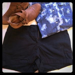 Ann Taylor LOFT Size 4 Original Black Short Shorts