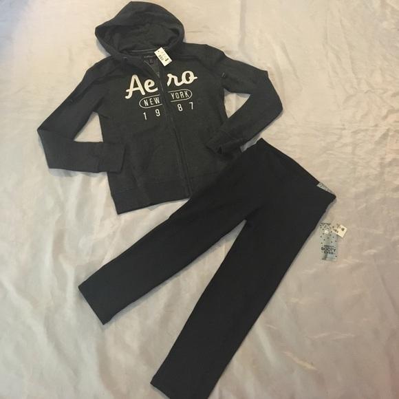 aea07368a8b Aeropostale XS zip-up hoodie   crop leggings