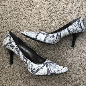 MERONA Snake Skin Heels