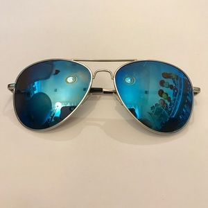 Accessories - Blue Skyline Avaitors