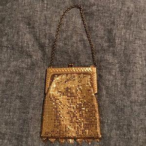 Vintage kisslock gold sequence clutch
