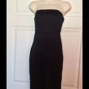 Dresses & Skirts - Black Strapless Mid Length Dress DISCOUNT SHIPPING