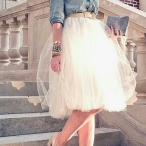 Dresses & Skirts - NWOT Ivory Tulle Skirt