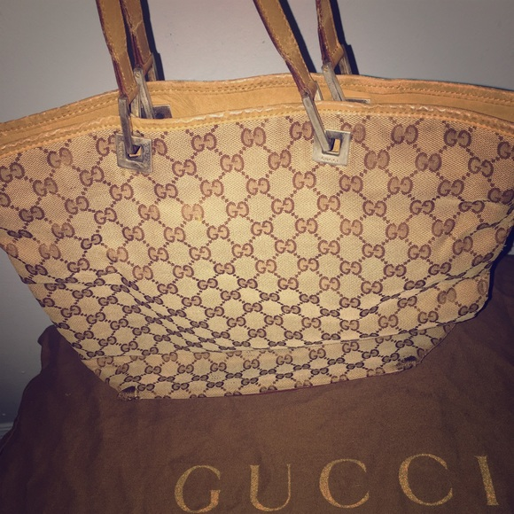 f40857358b08 Gucci Bags | Holiday Sale Authentic Classic Bag | Poshmark
