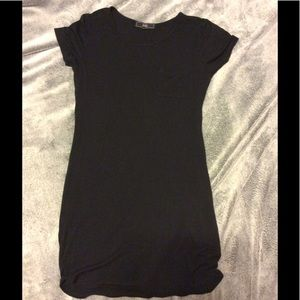 Dresses & Skirts - Black t shirt dress w/ pocket