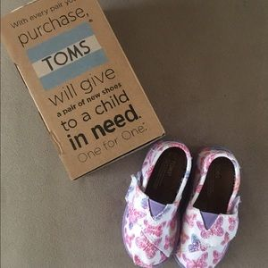 Tiny Toms Classics Purple Butterfly Toddler Sz 5