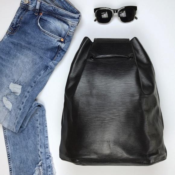 acheter en ligne 29705 44364 Louis Vuitton Black Epi Leather Sac a Dos Backpack