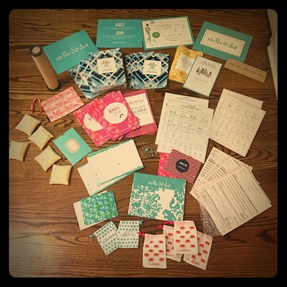 HUGE Lot of Stella & Dot Stylist supplies pads