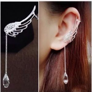 Jewelry - Right  Earcuff