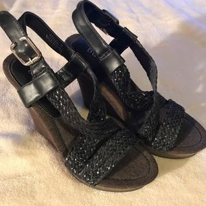 Shoes - Bucco wedges