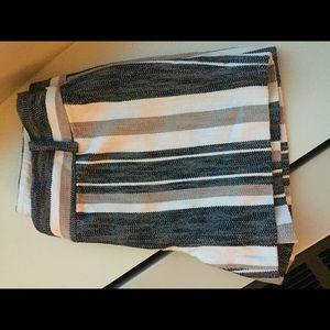Loft shorts - white grey beige striped