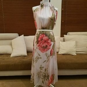 Dresses & Skirts - 💮Flowy Pink Floral Maxi Halter Dress💮