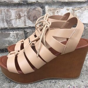 Shoes - Lace-up Nude Wedges