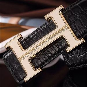 Accessories - Gold H style belt