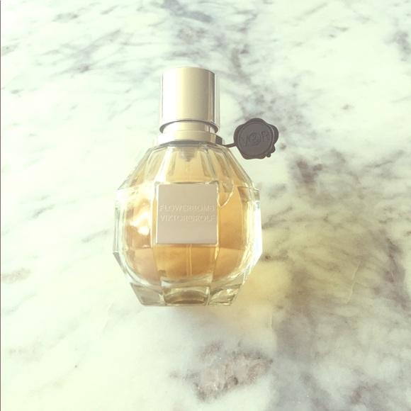 322d1f11cc4f Flowerbomb by Viktor   Rolf 1 Oz Eau de Parfum. M 59890994d14d7b70ee0e0334