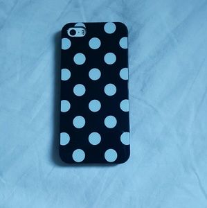 Accessories - Polka dot iphone 5/5s/Se case