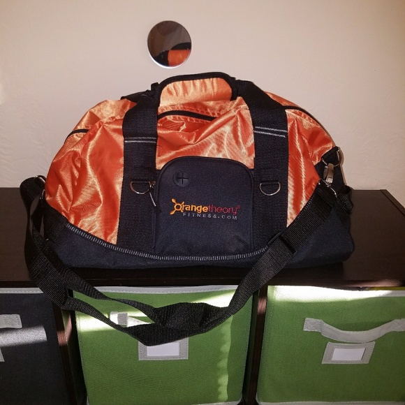 a0008b04f657 OTF Orangetheory Sports gym bag w goodies. M 598920bf9c6fcf48880ec1ce