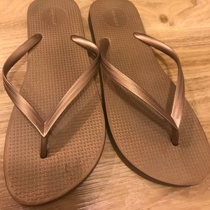 50489d4553a99 Old Navy Shoes - Gold Original Old Navy Rubber Flip flops