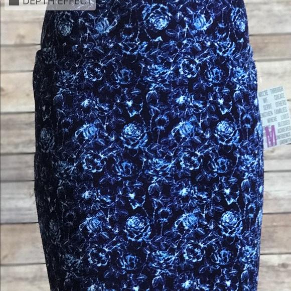 0b07e950c8d9a NWT LuLaRoe Cassie Pencil Skirt blue floral Med