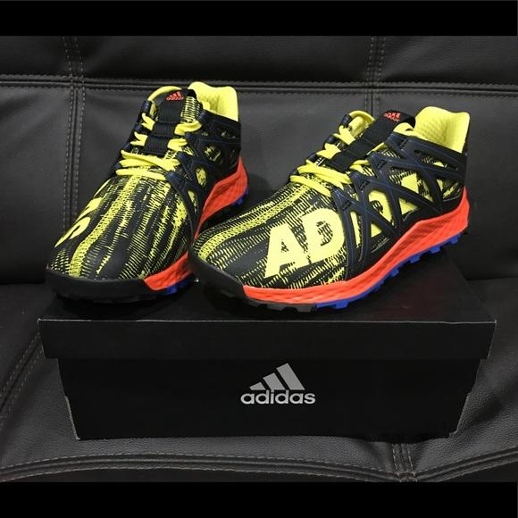 c002462cc New adidas Vigor Bounce J Youth Boys size 4