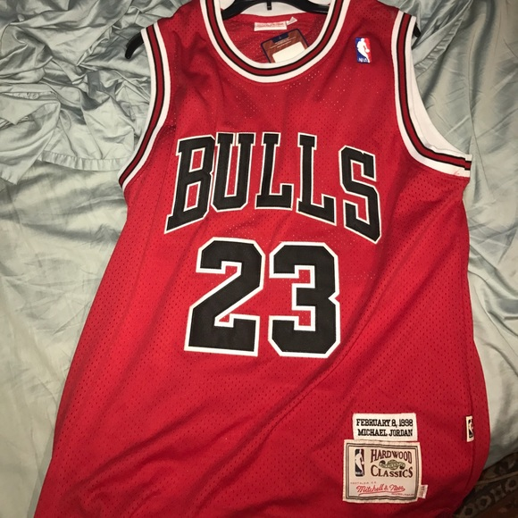 Authentic Mitchell and Ness Michael Jordan Jersey.  M 5989d68d5a49d0579f109c08 7eed8cf1e