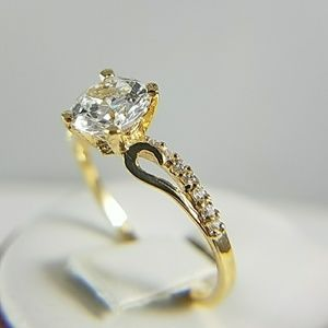 ON SALE 14k Yellow Gold Engagement Ring Round