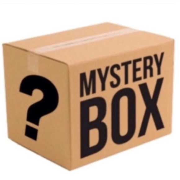 Accessories - 10 piece mystery bundle