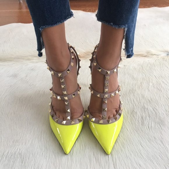 919b9f634 Patent leather, yellow rockstud Valentino pumps. M_5989f4a82ba50ad64a112792