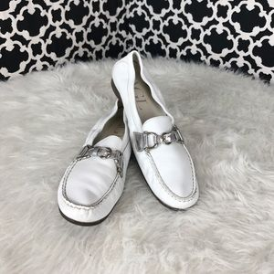 🆕LISTING White AGL loafers