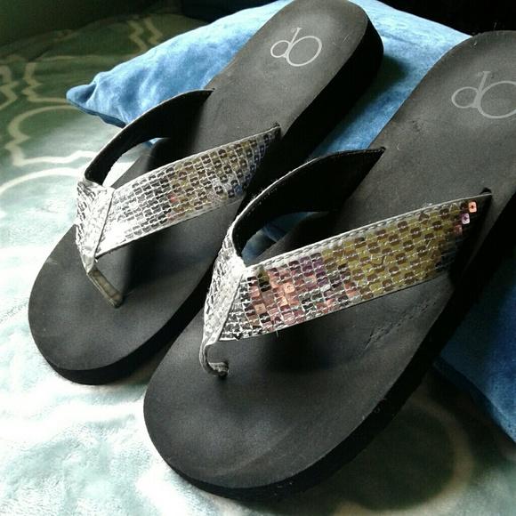 1c6271f4eb4 Sequin Platform Op Sandals. M 5989fcc17f0a057141111109