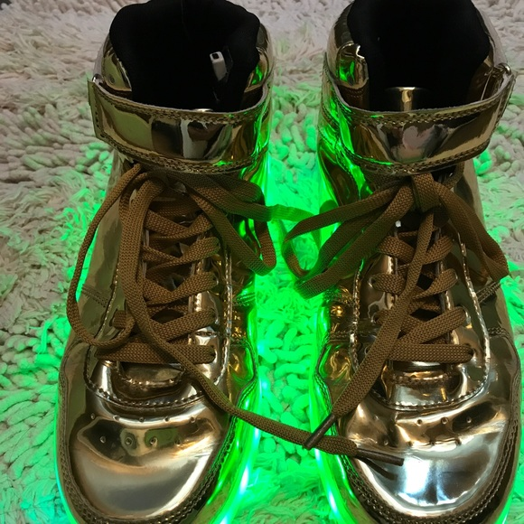 08eac37ab9941 📳📳📳Galaxy LED Light Up Gold High Top Men's Shoe