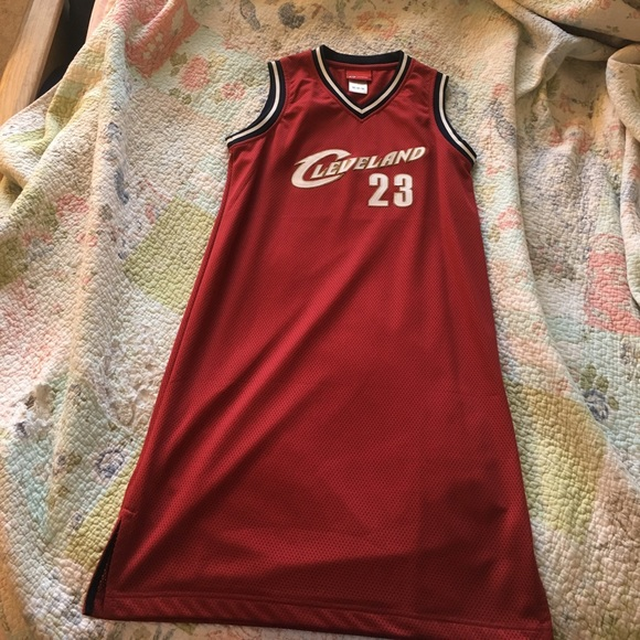 premium selection 7a34b df2e3 Reebok Cleveland Cavaliers jersey dress