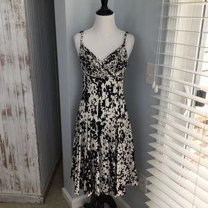 White & black floral print silk dress size 2 NWT