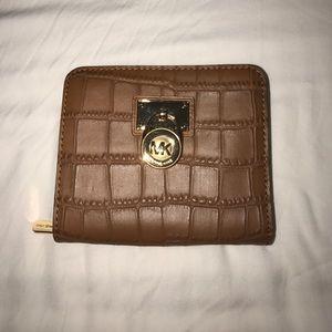 Michael Kors MD Zip Around Hamilton Wallet NWT