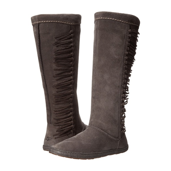 b5374b82f6d UGG NIB Mammoth Suede Fringe Boots Charcoal Gray 8