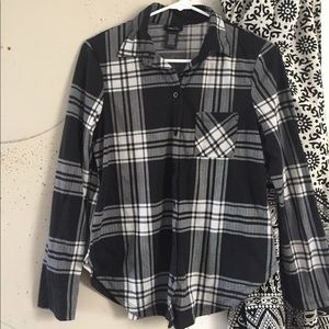 Tops - Black & White Plaid Flannel