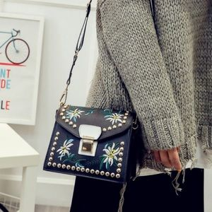 Handbags - ♣️♠️Black Studded/Embroidered messenger👜