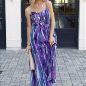 Dresses & Skirts - 🌺NWT🌺 Gorgeous Maxi Dress