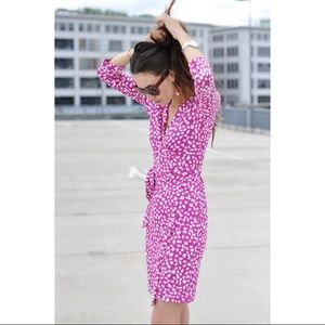 DVF Fucsia and White Leopard Print Wrap Dress Sz.4