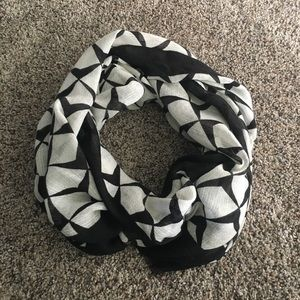 J. Crew Accessories - Jcrew scarf